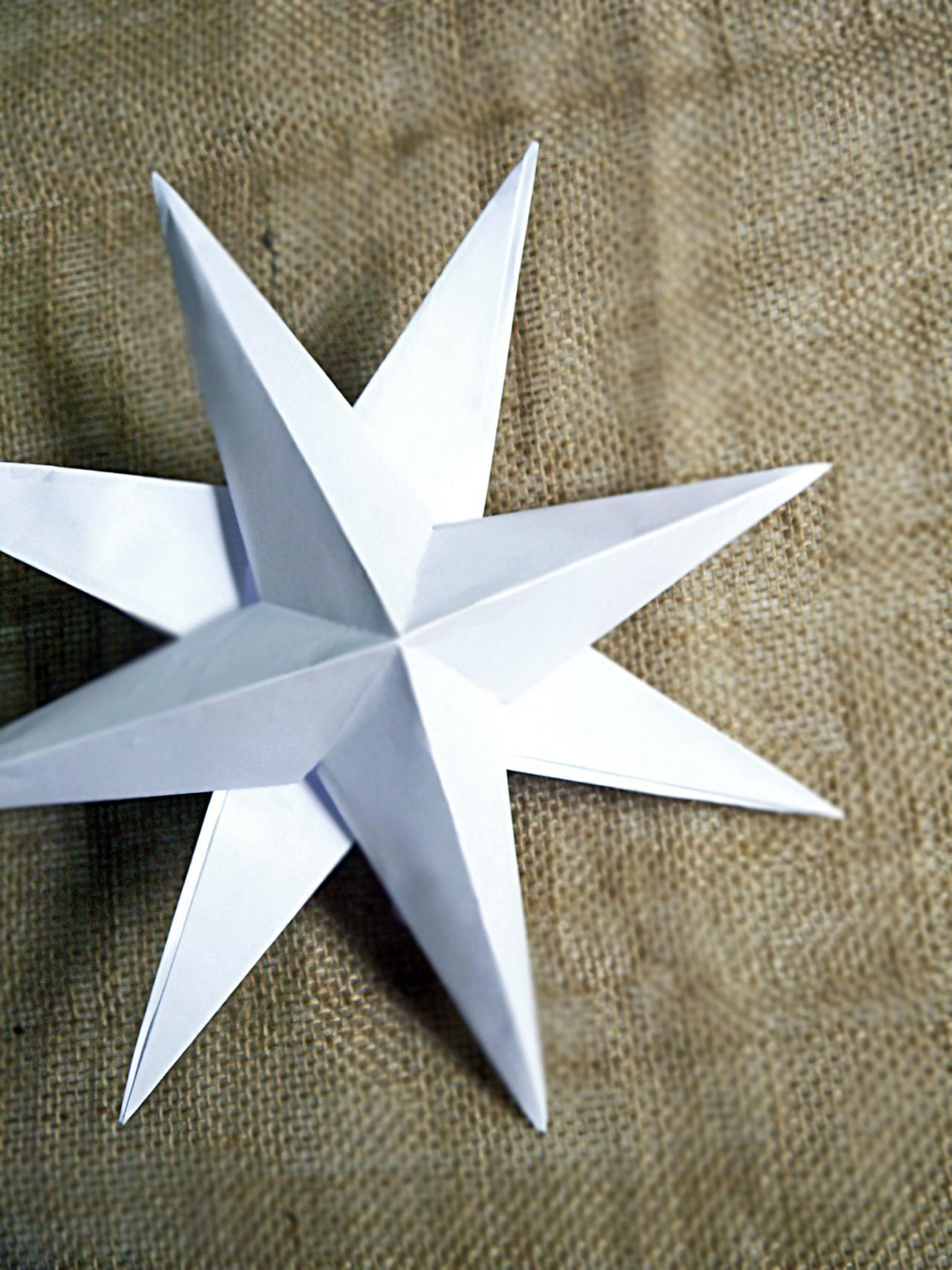 Make Christmas Paper Star Decorations