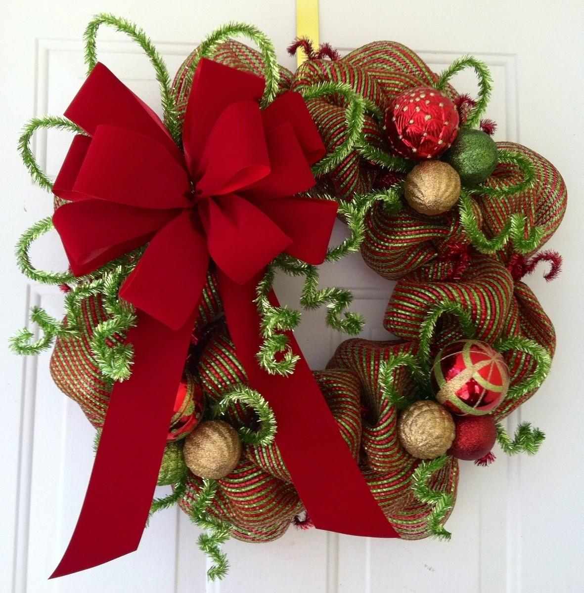 Make Diy Christmas Wreaths Yourself Celebrate