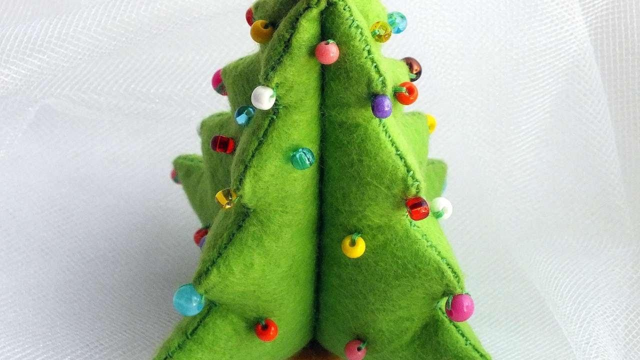 Make Diy Felt Christmas Tree Crafts