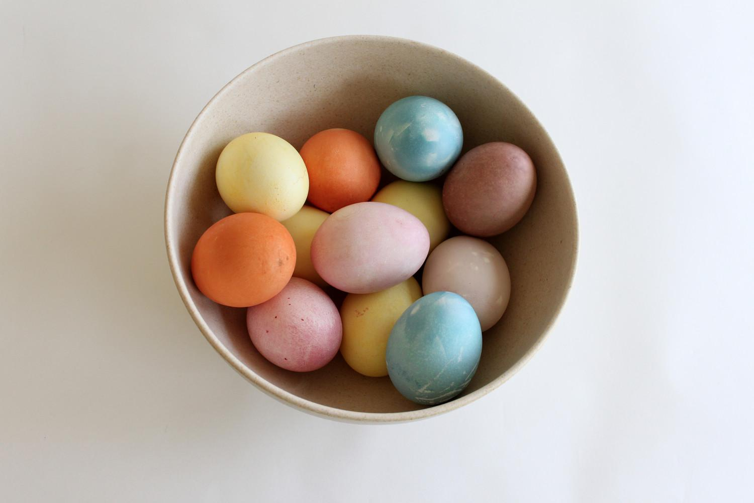 Make Naturally Dyed Easter Eggs Love Cupcakes Blog