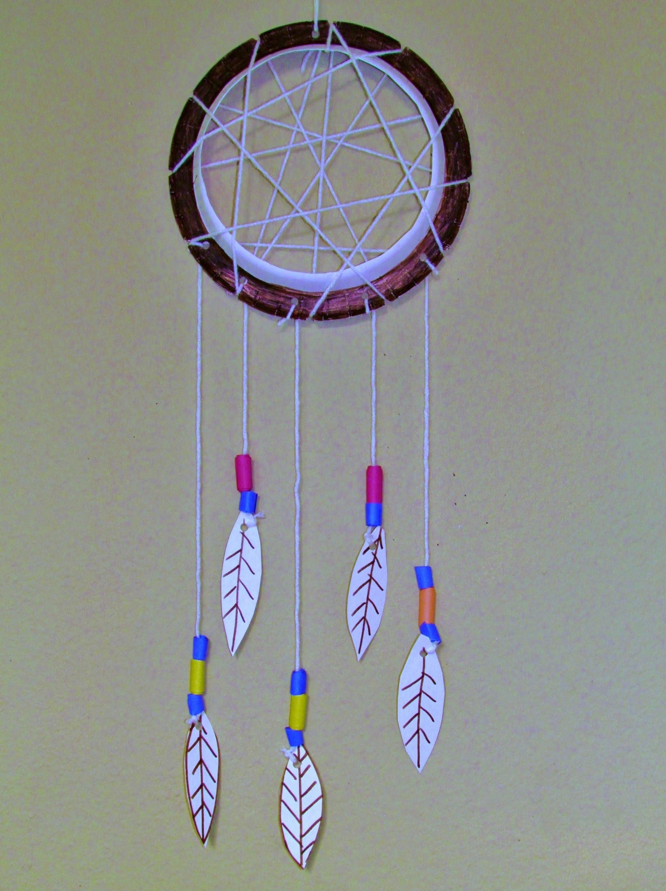 Make Paper Plate Dreamcatcher