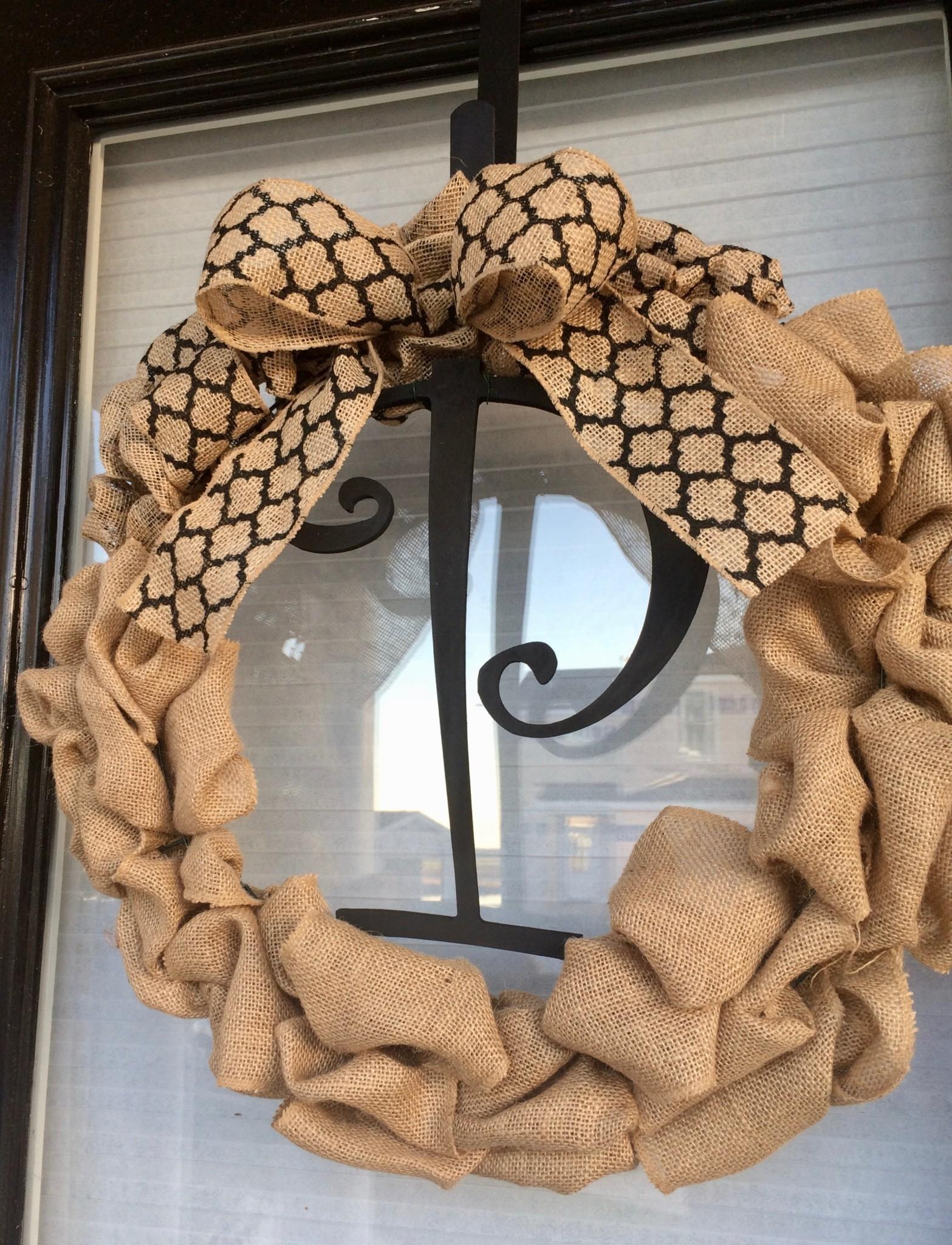 Make Personalized Burlap Wreath Pike Place