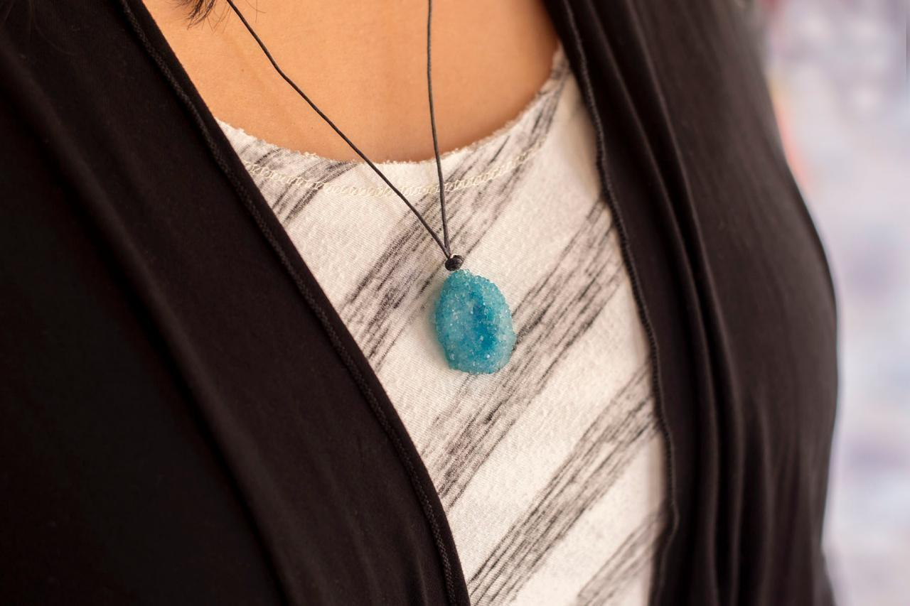 Make Pretty Crystal Necklace Diy Network Blog Made