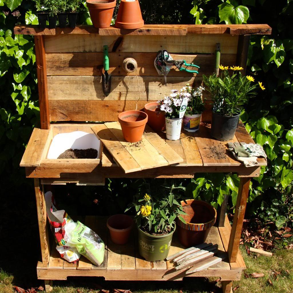 Make Rustic Potting Bench Your Garden Woodworking