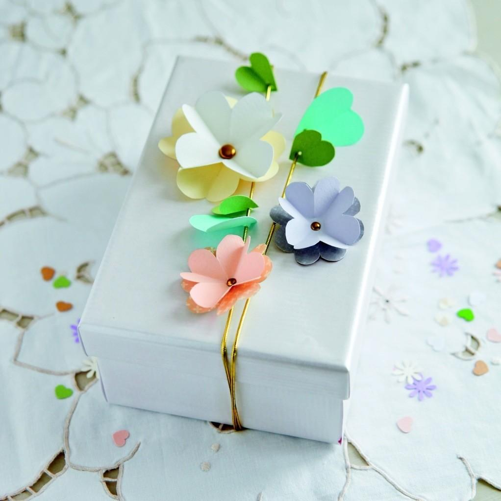 Make Simple Mother Day Floral Garland Sewyeah