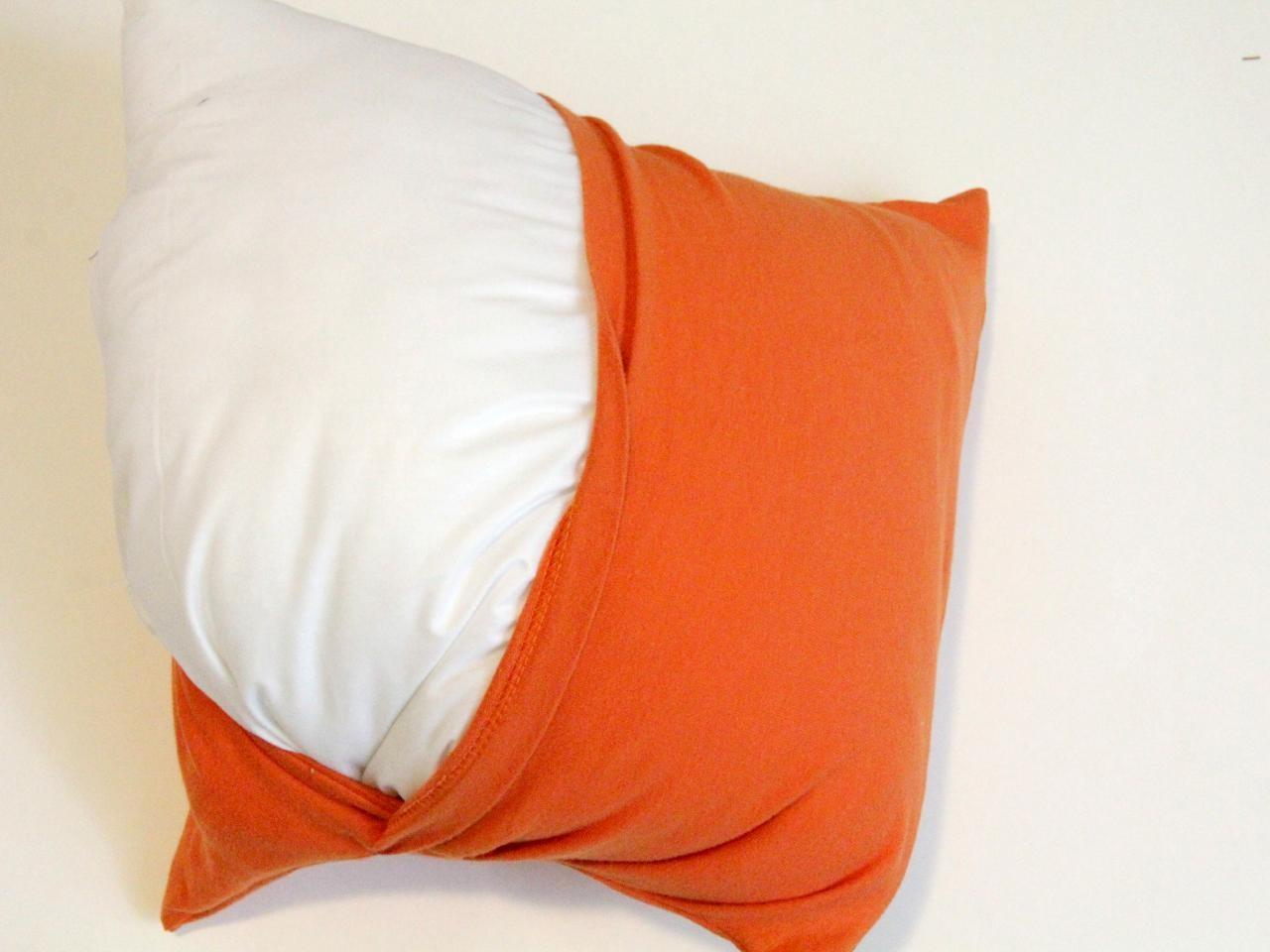Make Throw Pillows Out Old Shirts Tos Diy