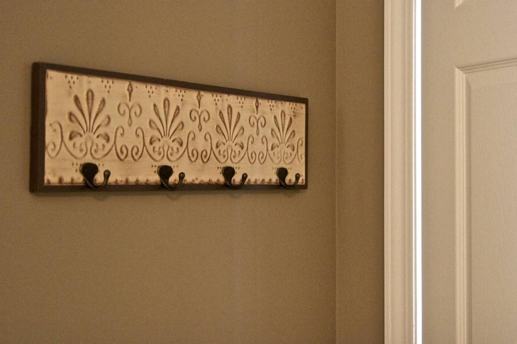 Make Your Own Coat Rack Using Trim Board Pegs Tierra