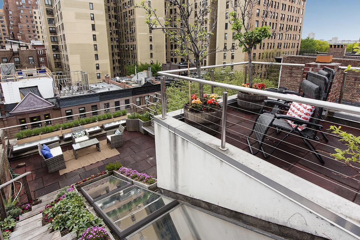 Manhattan Penthouses Enviable Outdoor Spaces