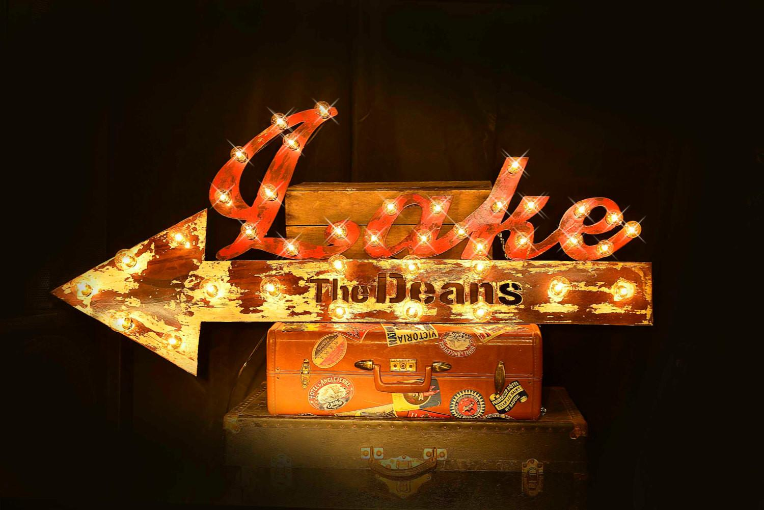 Marquee Arrow Lighted Metal Sign Light