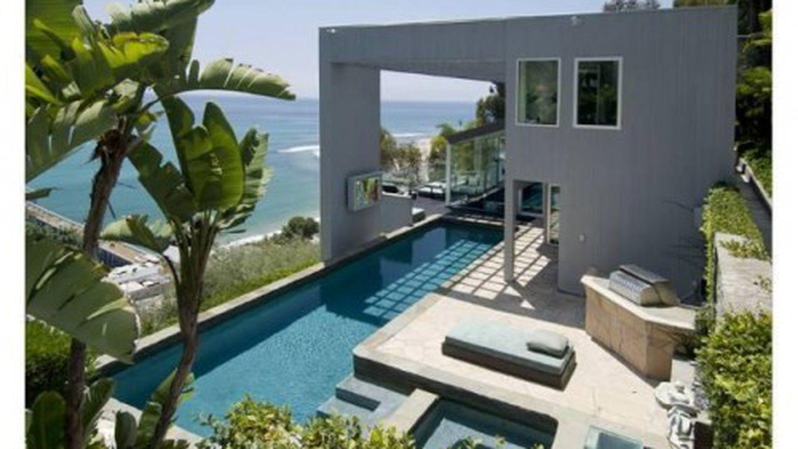 Matthew Perry Looking Double His Money Malibu House