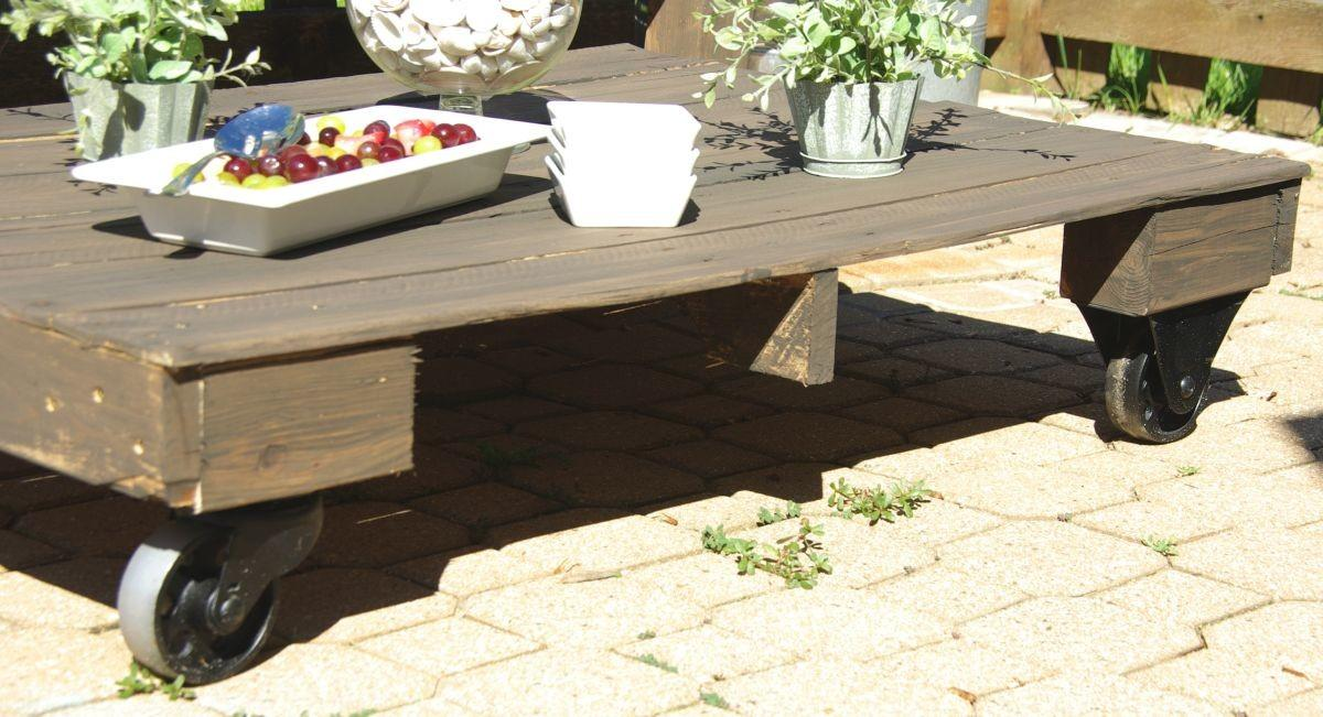 Maximize Your Outdoor Space Pallet Coffee Table