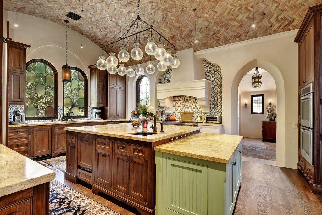 Mediterranean Kitchen Shaped Hardwood Floors