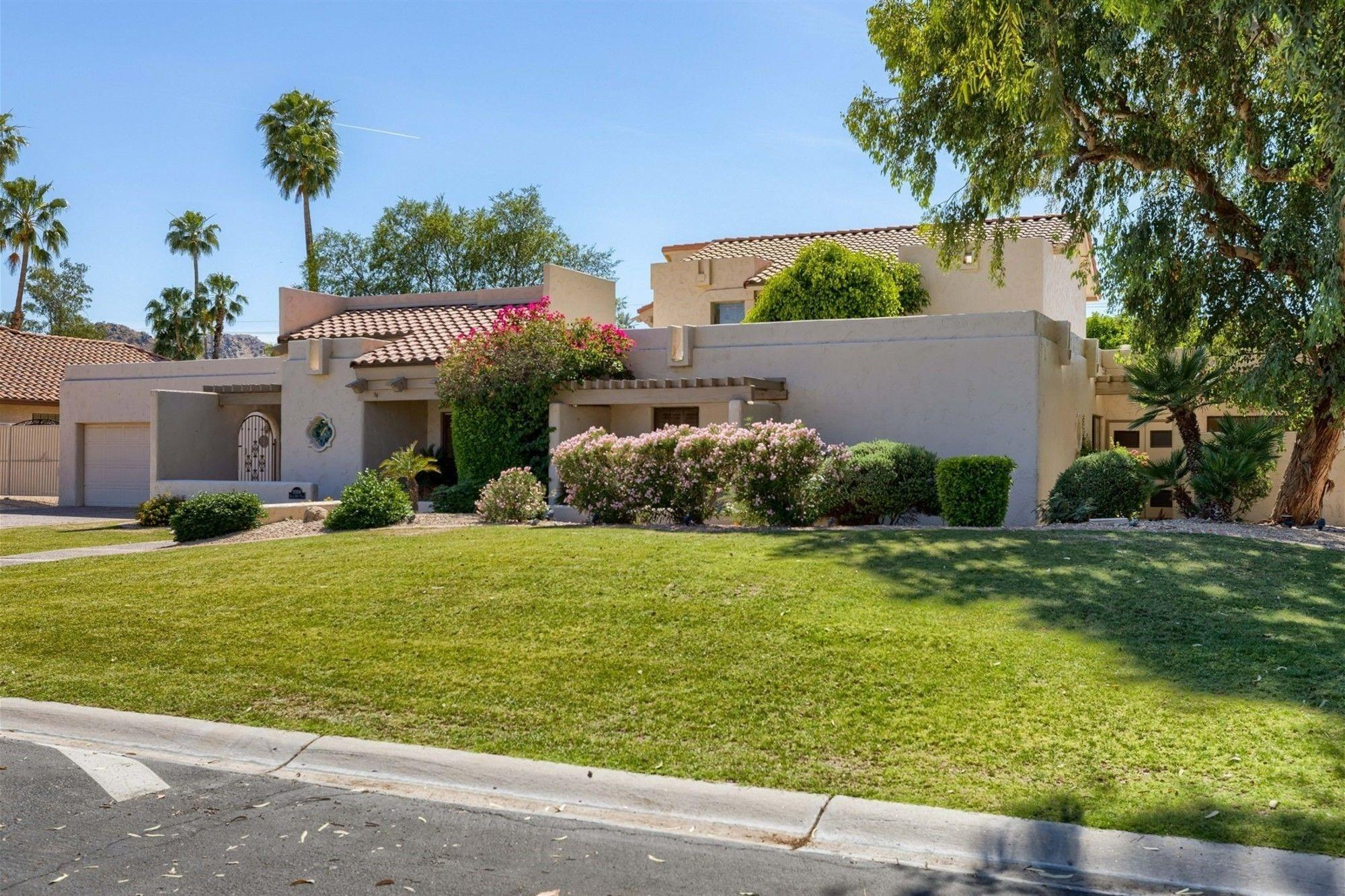 Meticulously Maintained Paradise Valley Courtyard Home