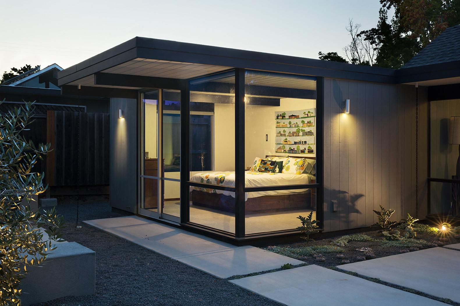 Mid Century Eichler Home Gets Bold Remodel Into 21st