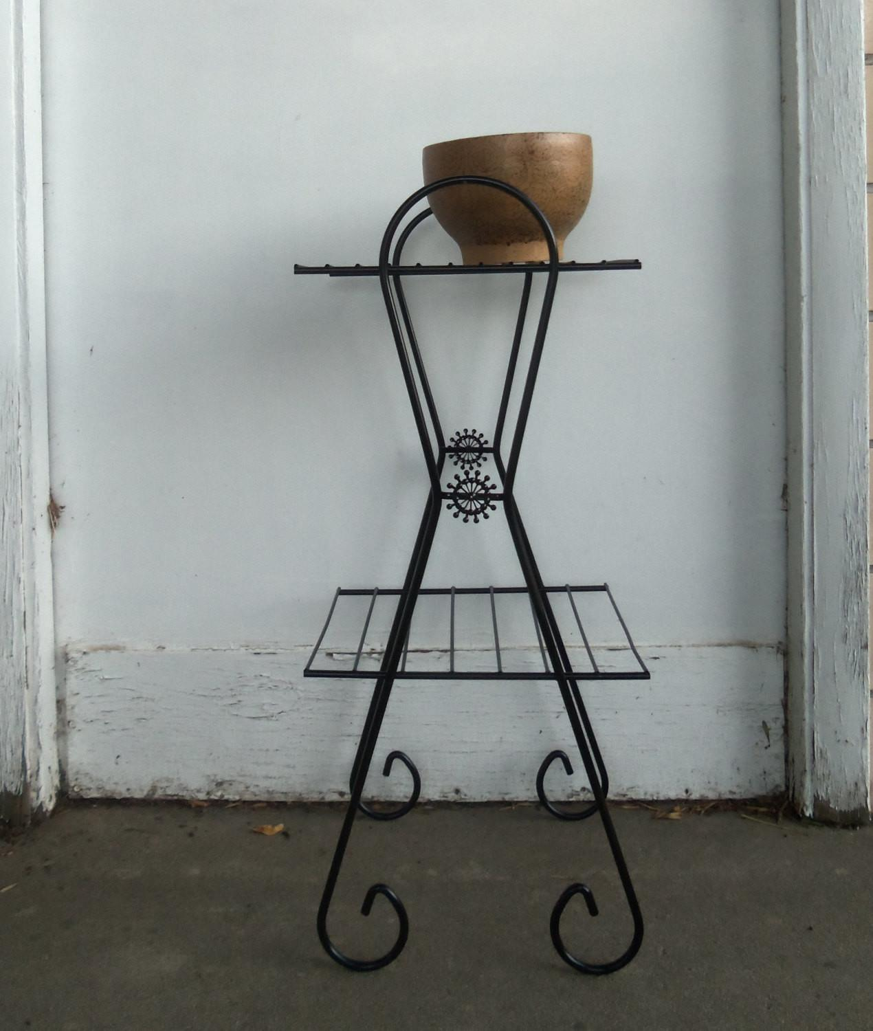 Picture of: Mid Century Modern Metal Wire Plant Stand Side Table Decoratorist 25421