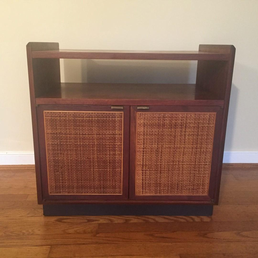 Mid Century Modern Walnut Turntable Record Storage