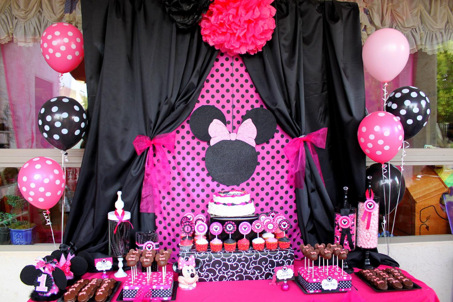 Minnie Mouse Printable Favor Box Paper Craft