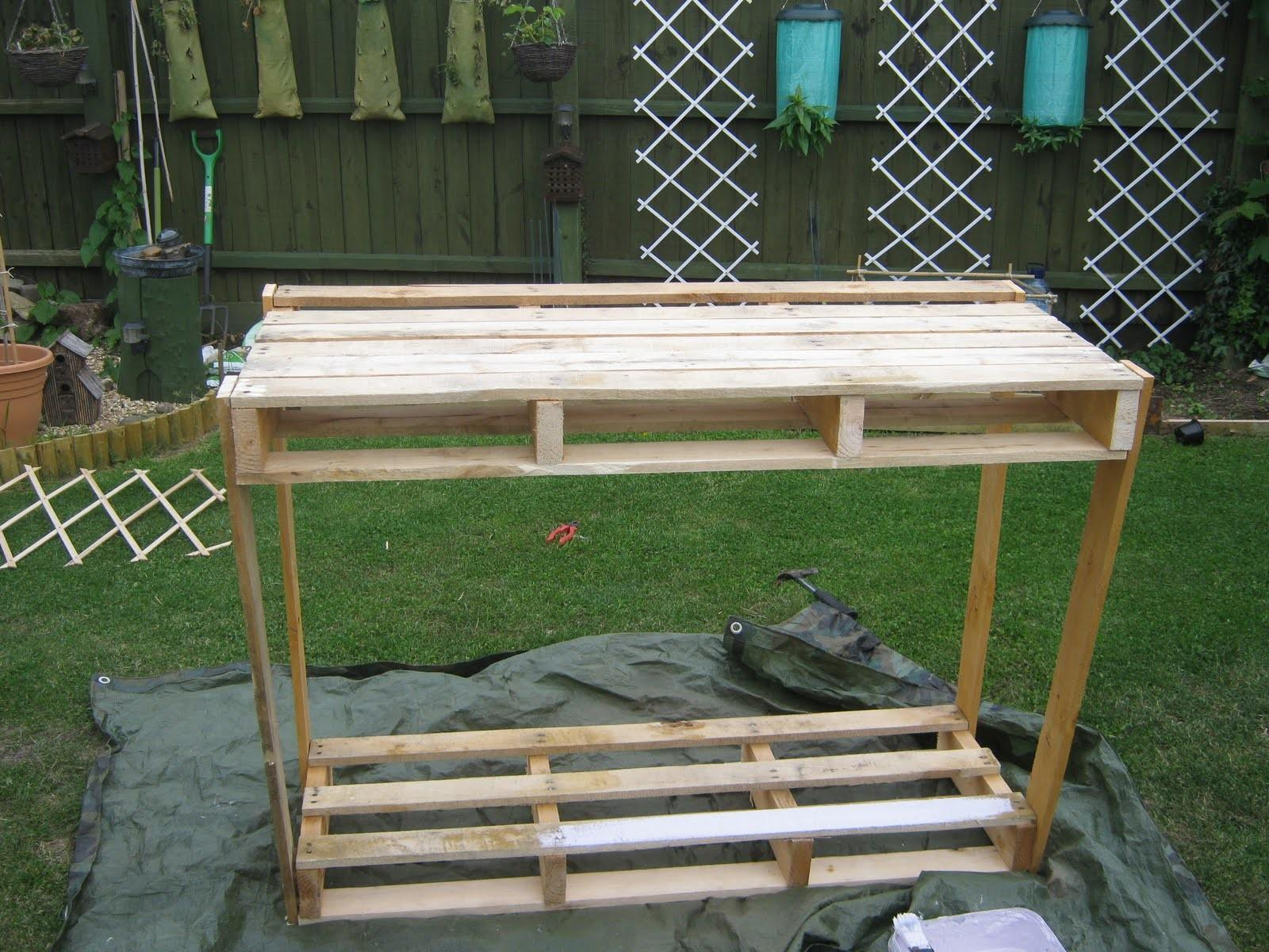 Mishaps Making Wooden Pallet Potting Bench