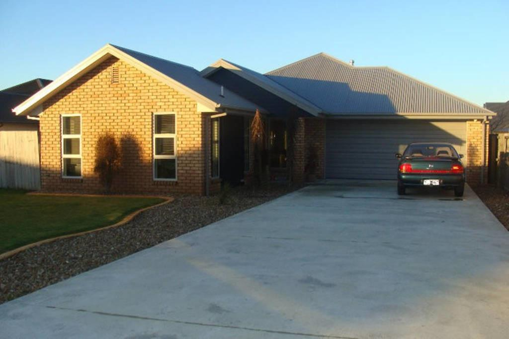 Modern Bed Home Nth Canterbury Houses Rent