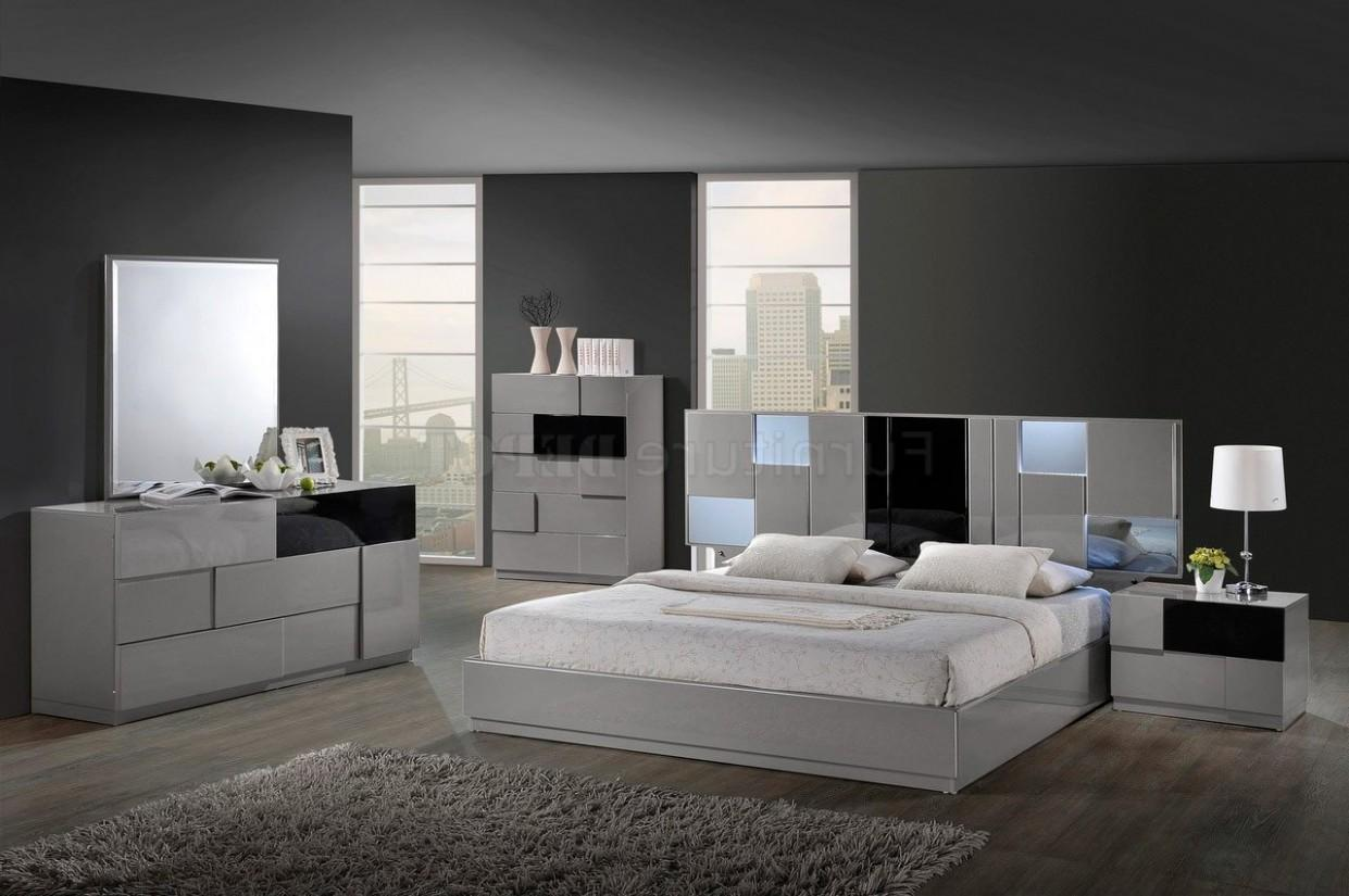 Modern Bedroom Chair Fabulous Beds Sale Discount