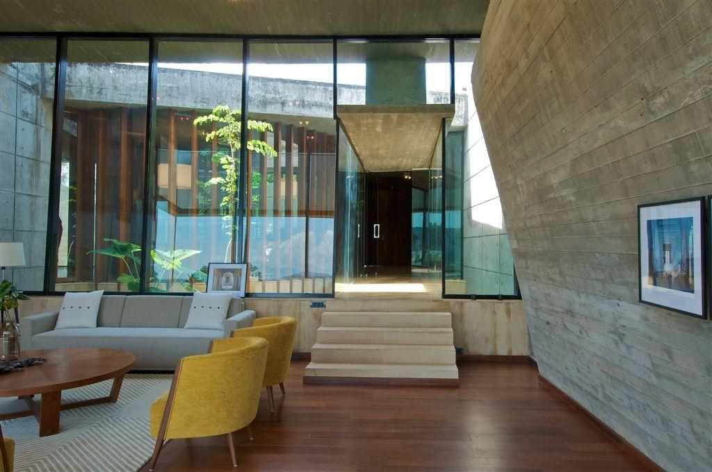 Modern Concrete Vacation House India Homedezen