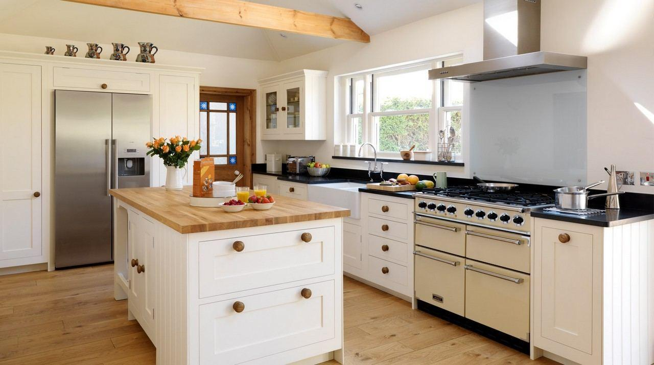 Modern Country Cottage Kitchen Floating White