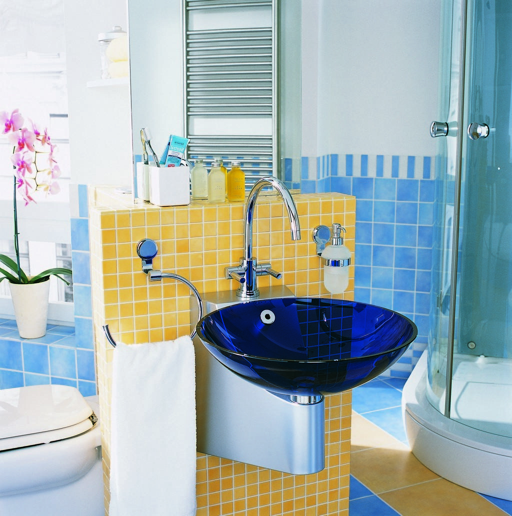 Modern Curved Glass Shower Room Stainless Steel Towel