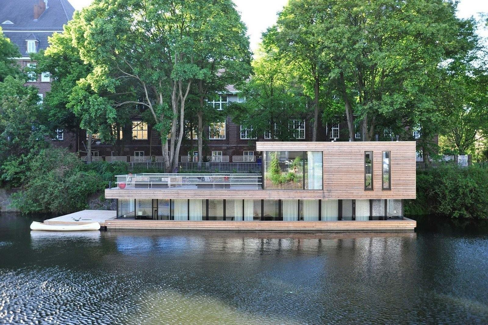 Modern Floating Homes Offer Aquatic Lifestyle