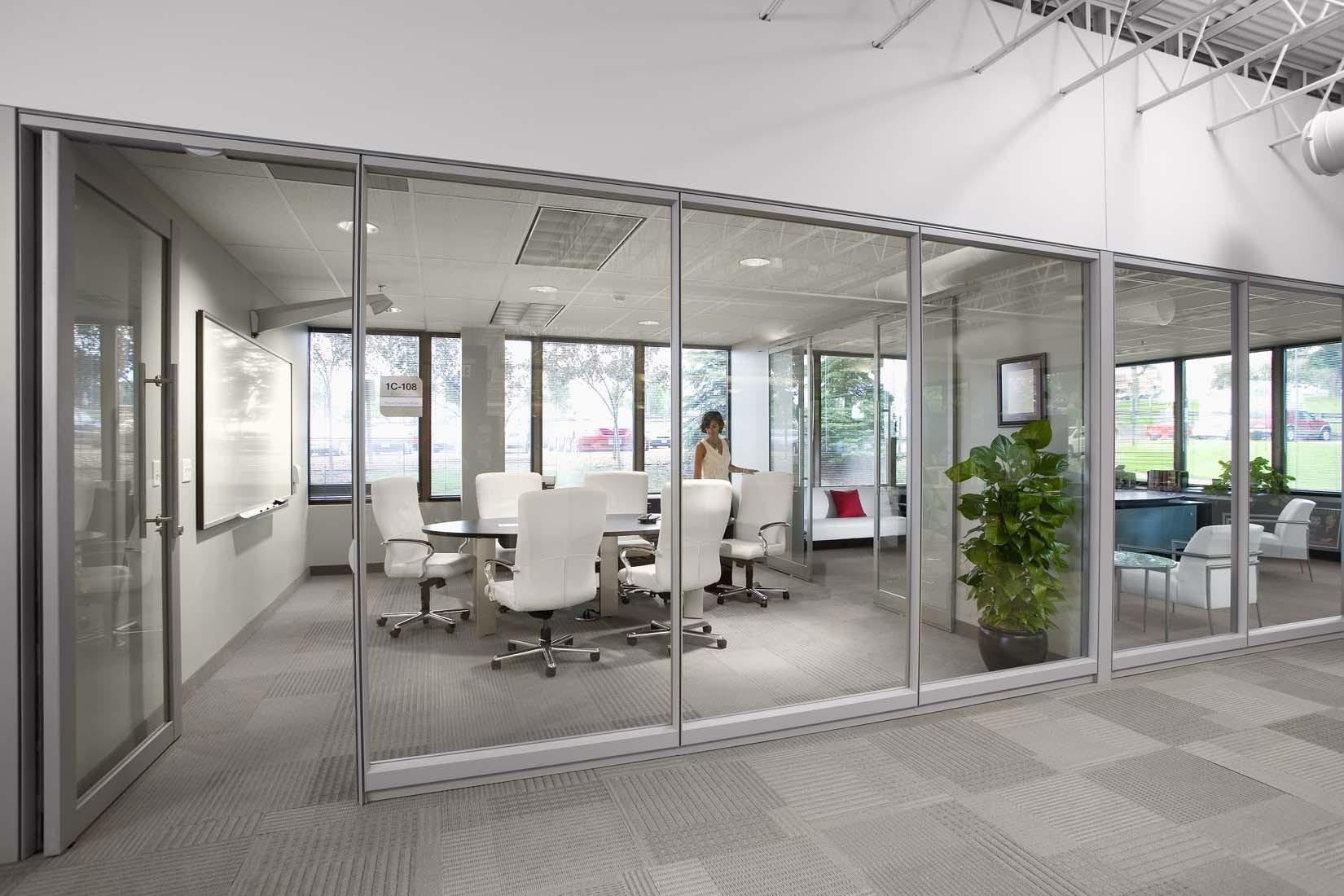 Modern Glass Office Meeting Room Wall Design