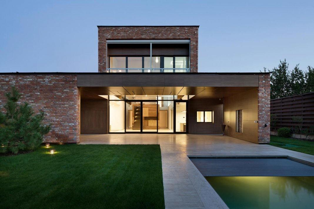 Modern Home Built Recycled Second Hand Bricks Reclaimed