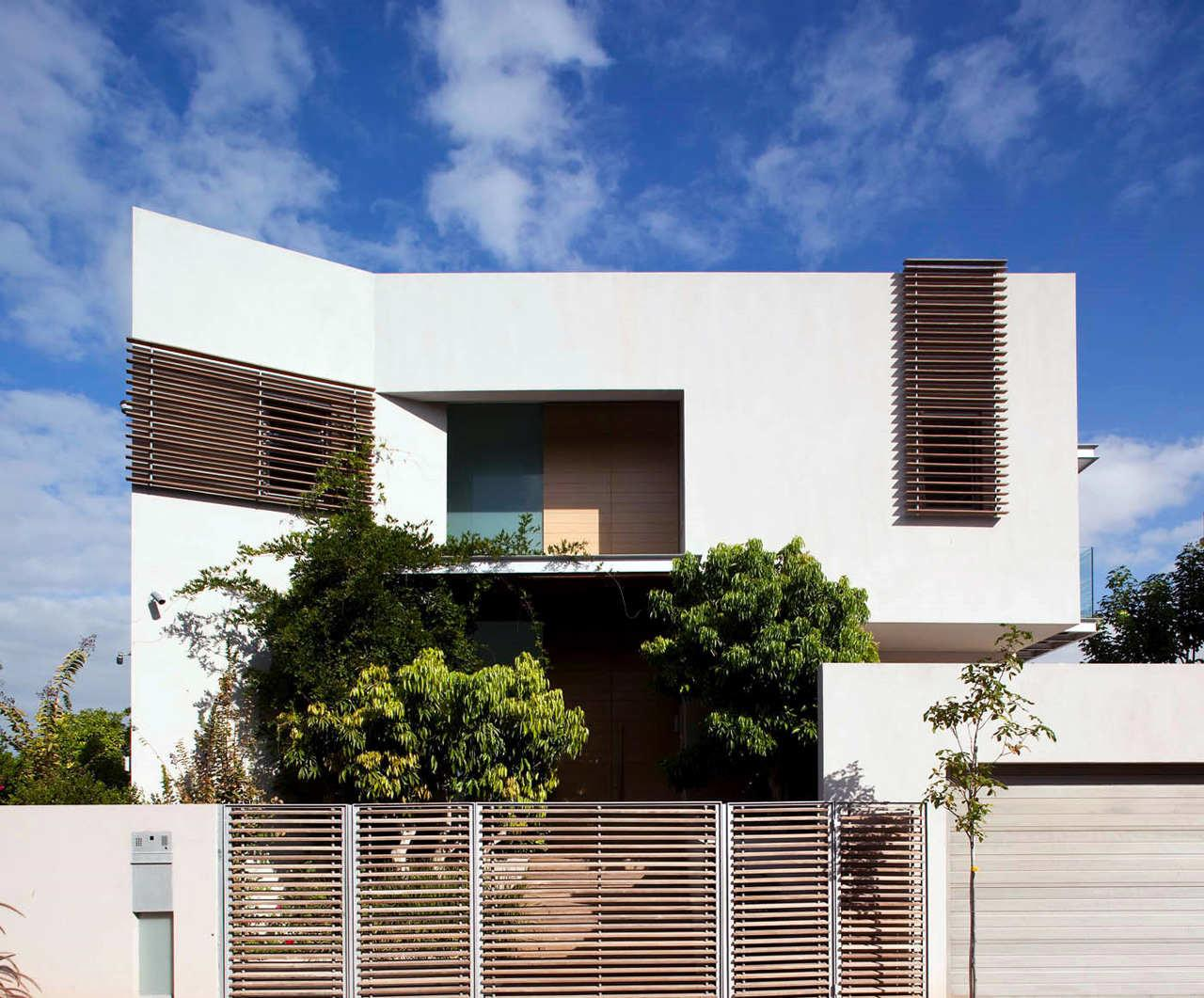 Modern House Domb Architects
