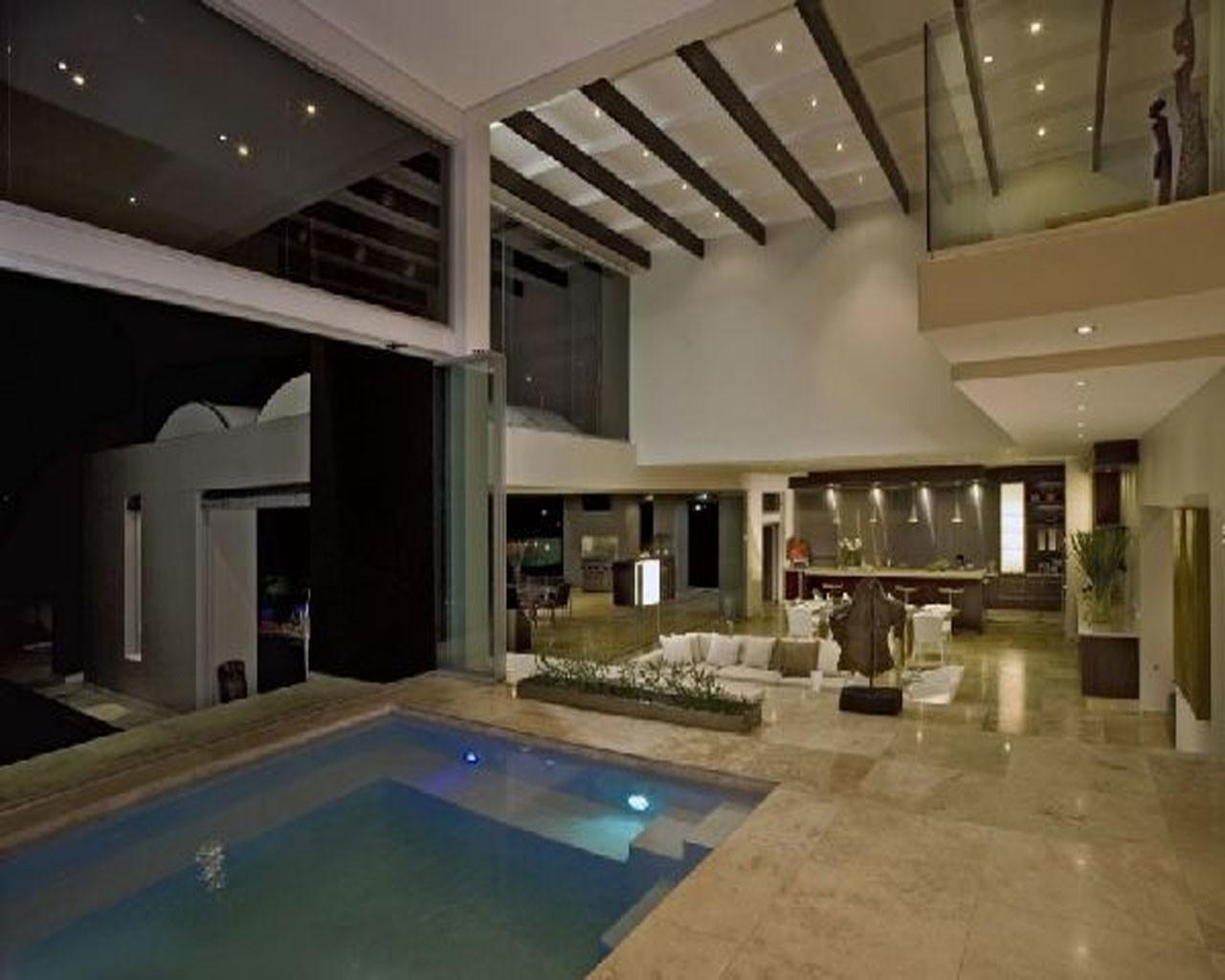 Modern House Indoor Pool