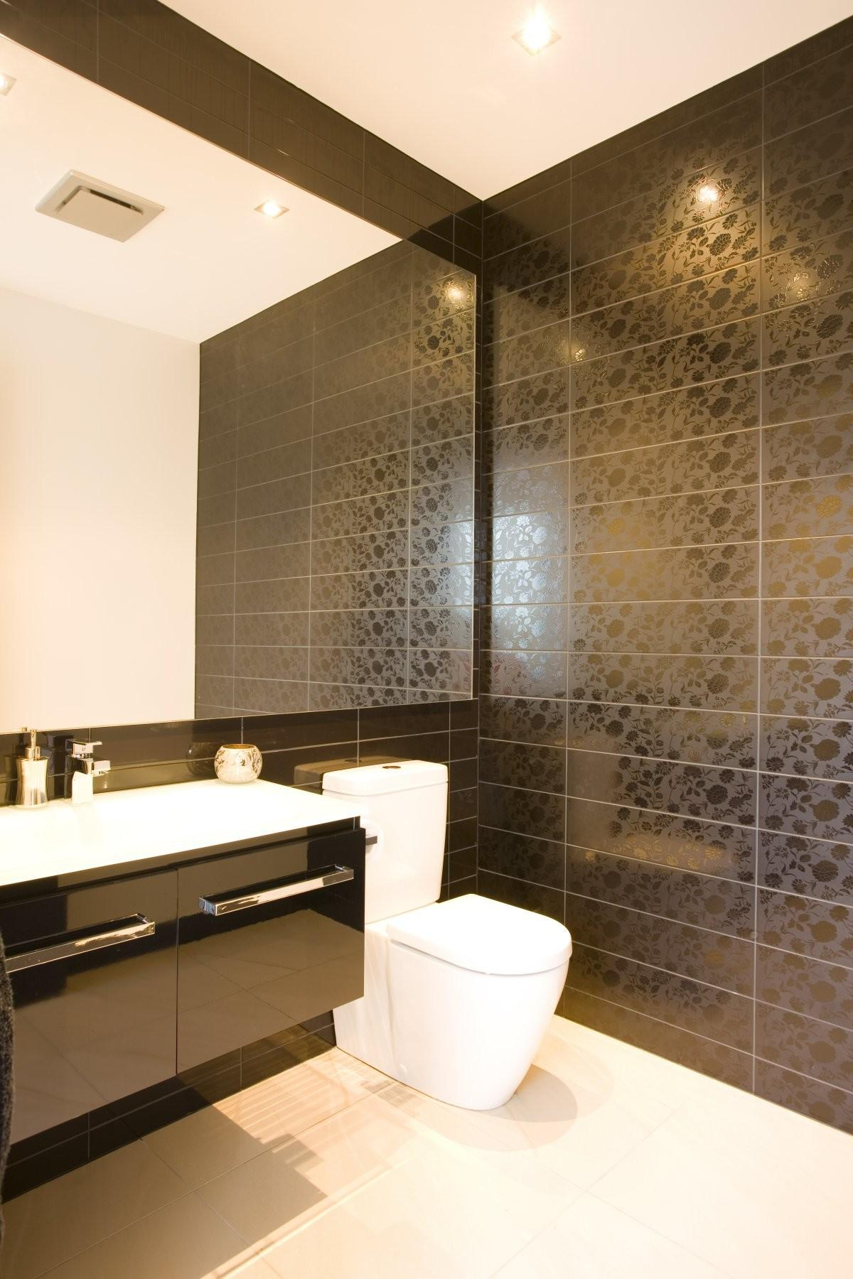 Modern Luxury Bathrooms Designs