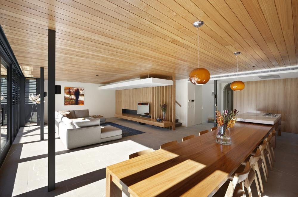 Modern Meets Traditional Lovely Hawthorn House