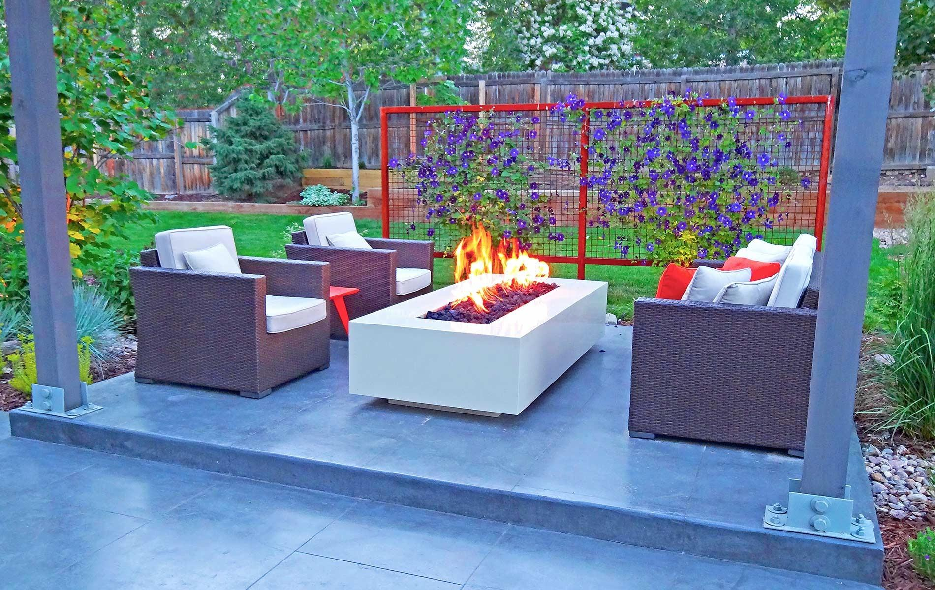 Modern Outdoor Living Space Steel Fire Pit