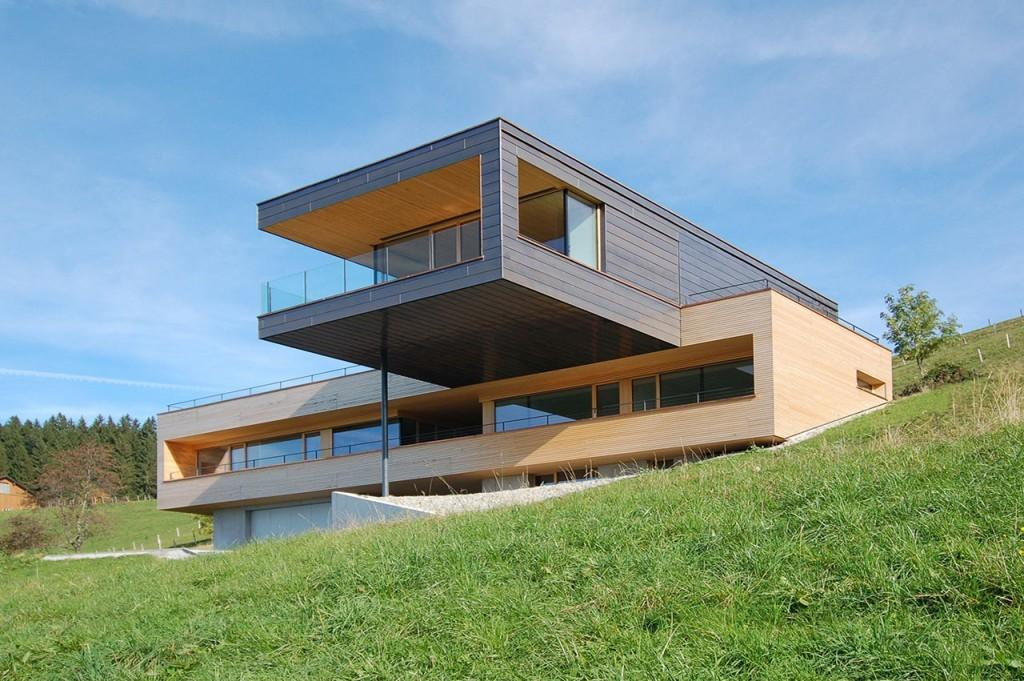 Modern Pine Cantilevered Home Redefines Rural