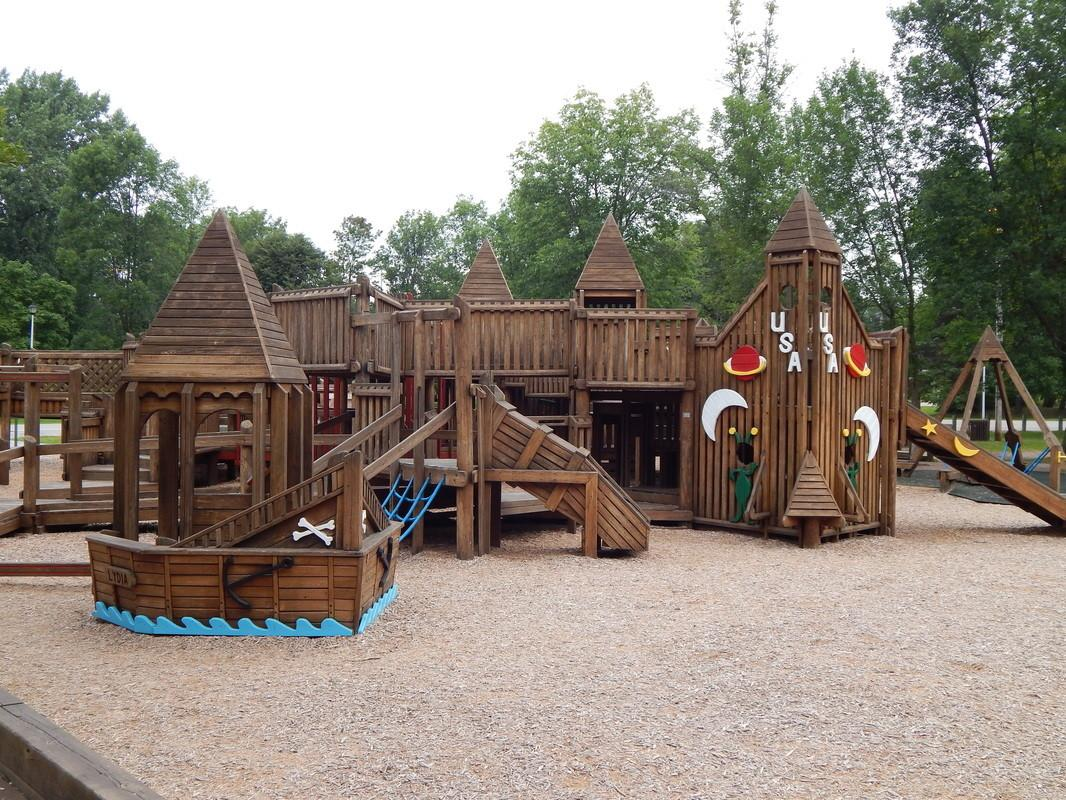 Modern Playground Equipment Frugal Sos
