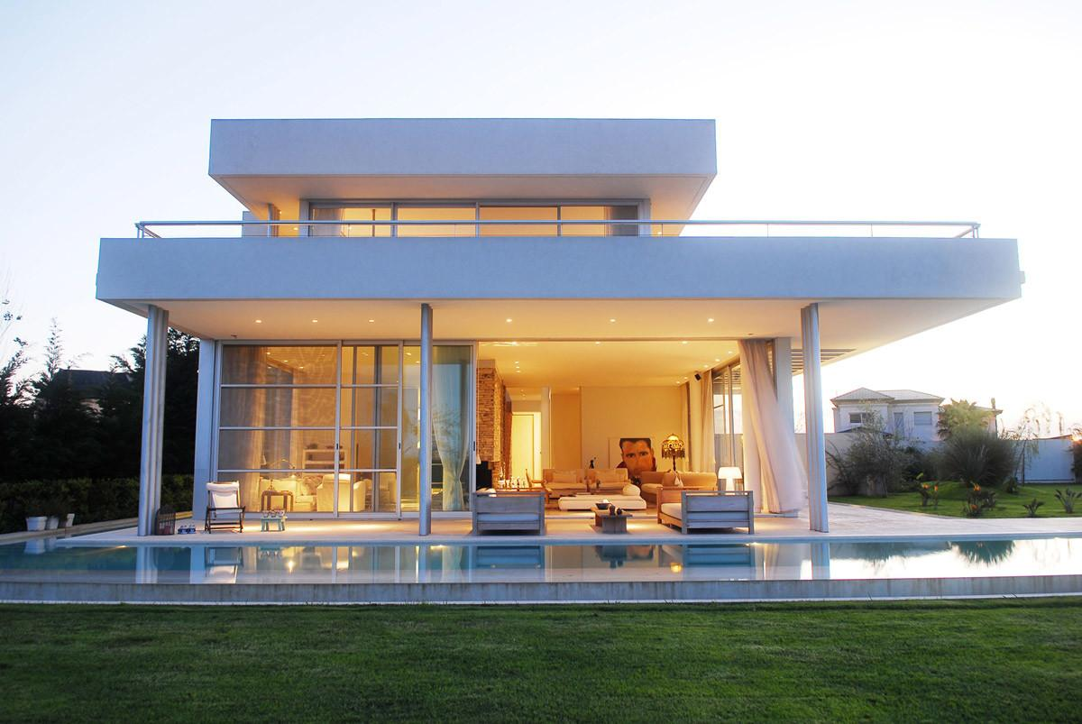 Modern Riverside House Buenos Aires Argentina