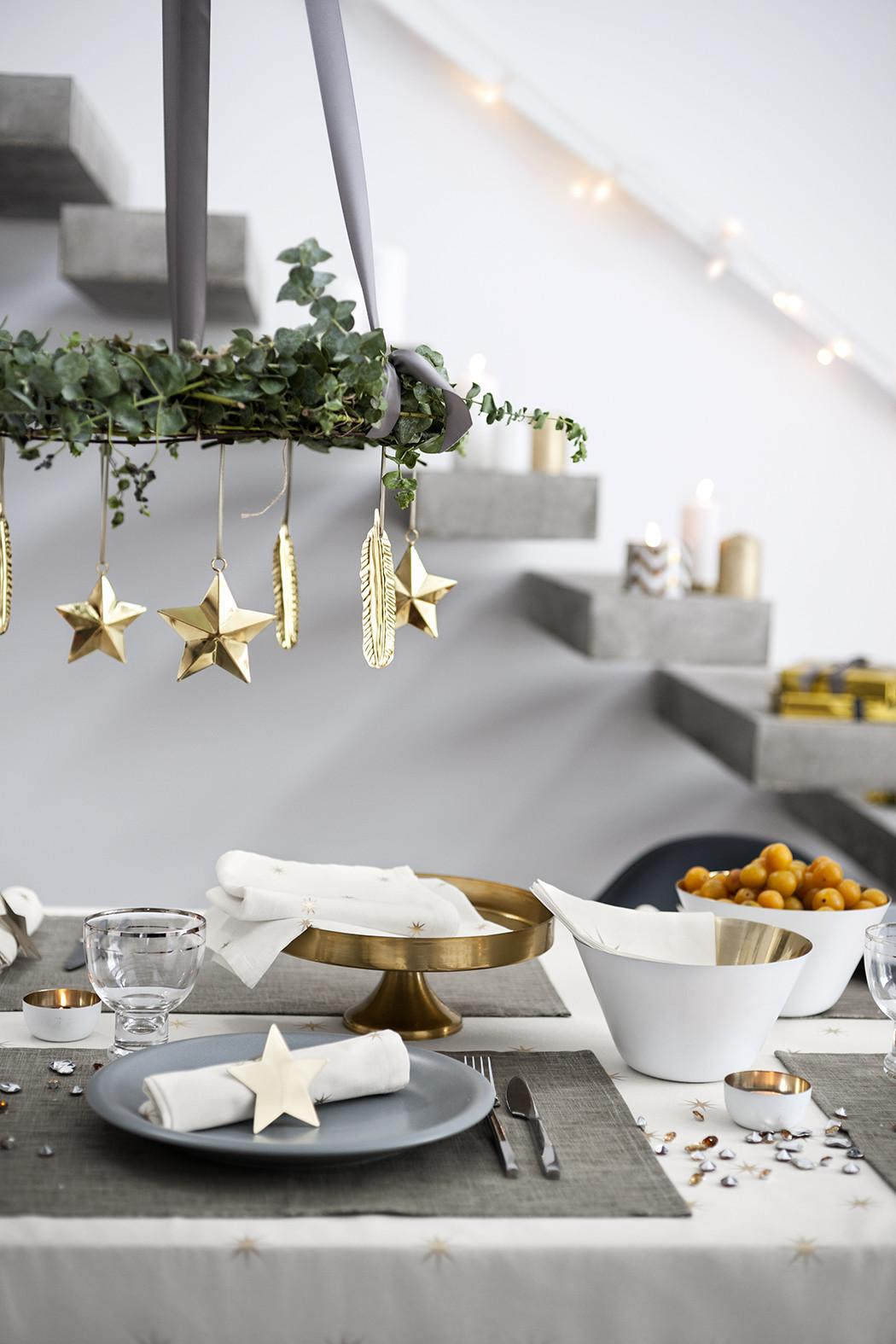 Modern Scandinavian Christmas Decorating Inspiration