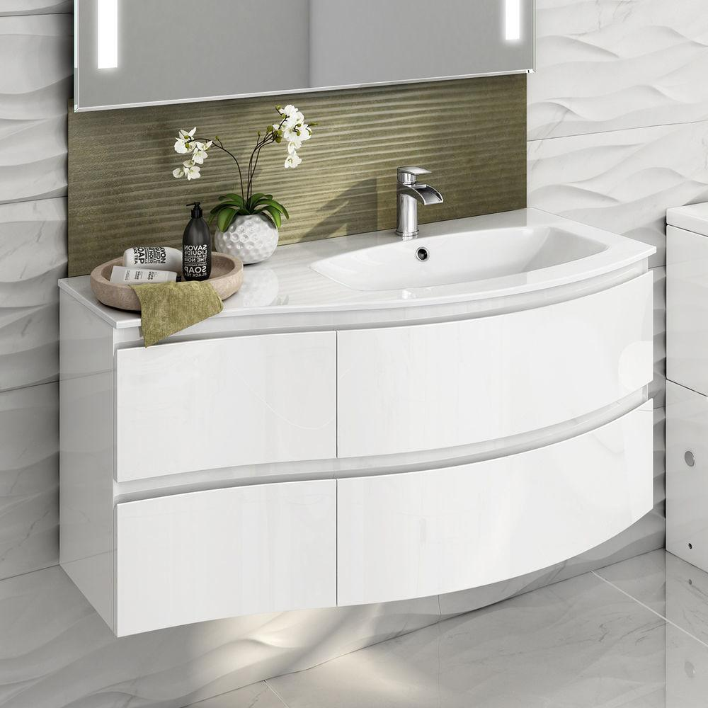 Modern White Ceramic Bathroom Toilet Close Coupled Pan