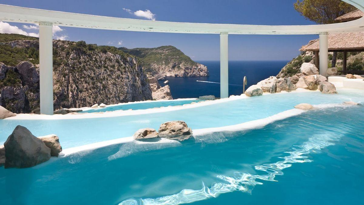Most Awe Inspiring Pools World Homes