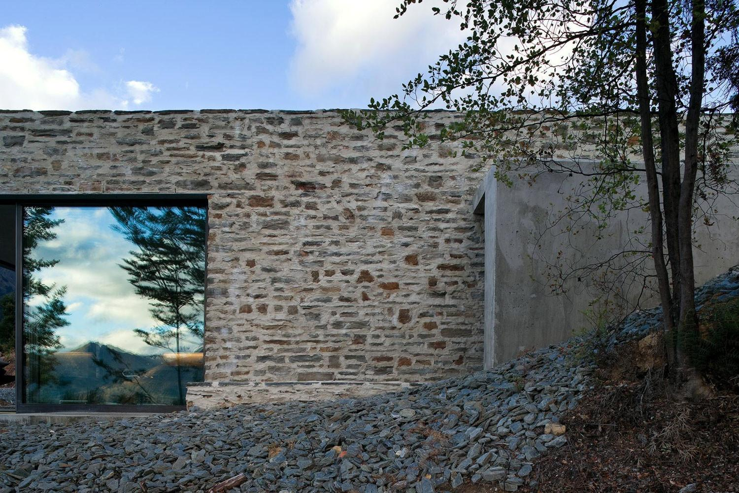 Mountain Retreat House Designed Fearon Hay Architects