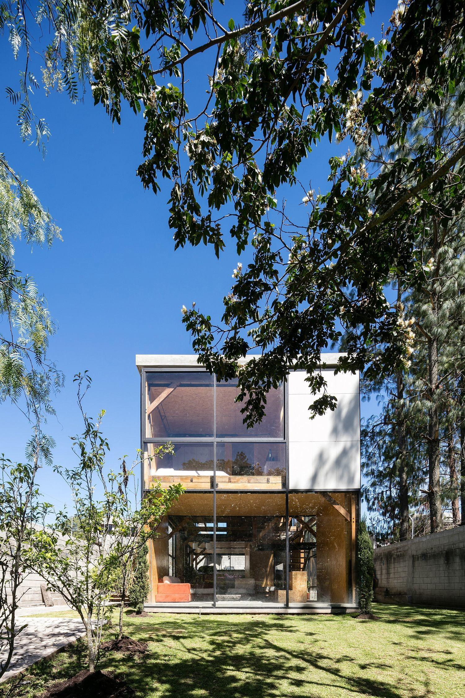 Multi Generational Family House Promotes Healthy Lifestyle