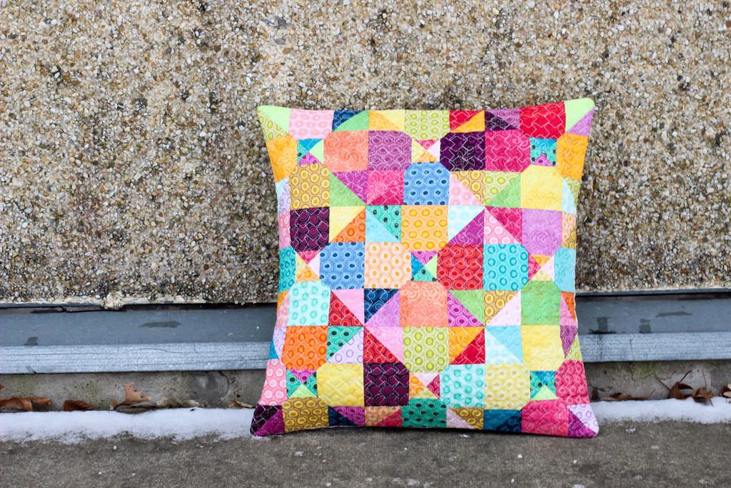 Mystery Quilted Pillow Pattern Blogged Color Order