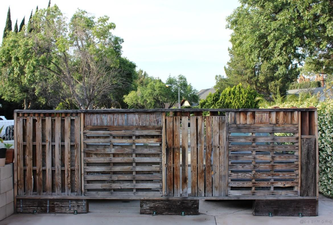 National Painting Week Diy Stained Pallet Wall Pearmama