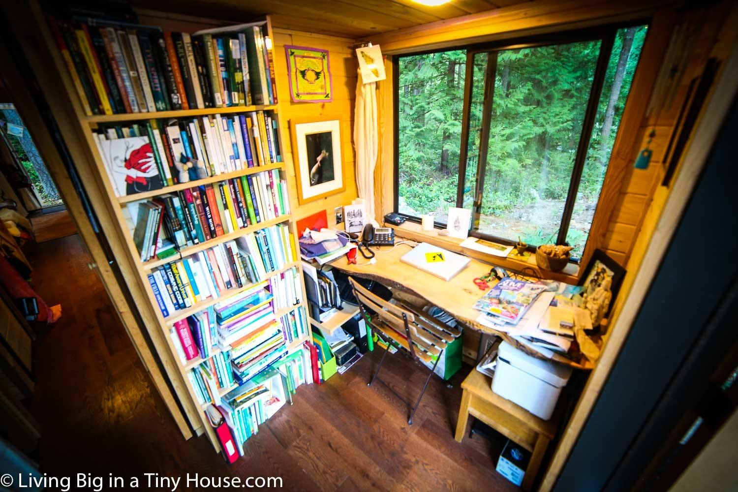 Natural Build Tiny House Family Separate Office