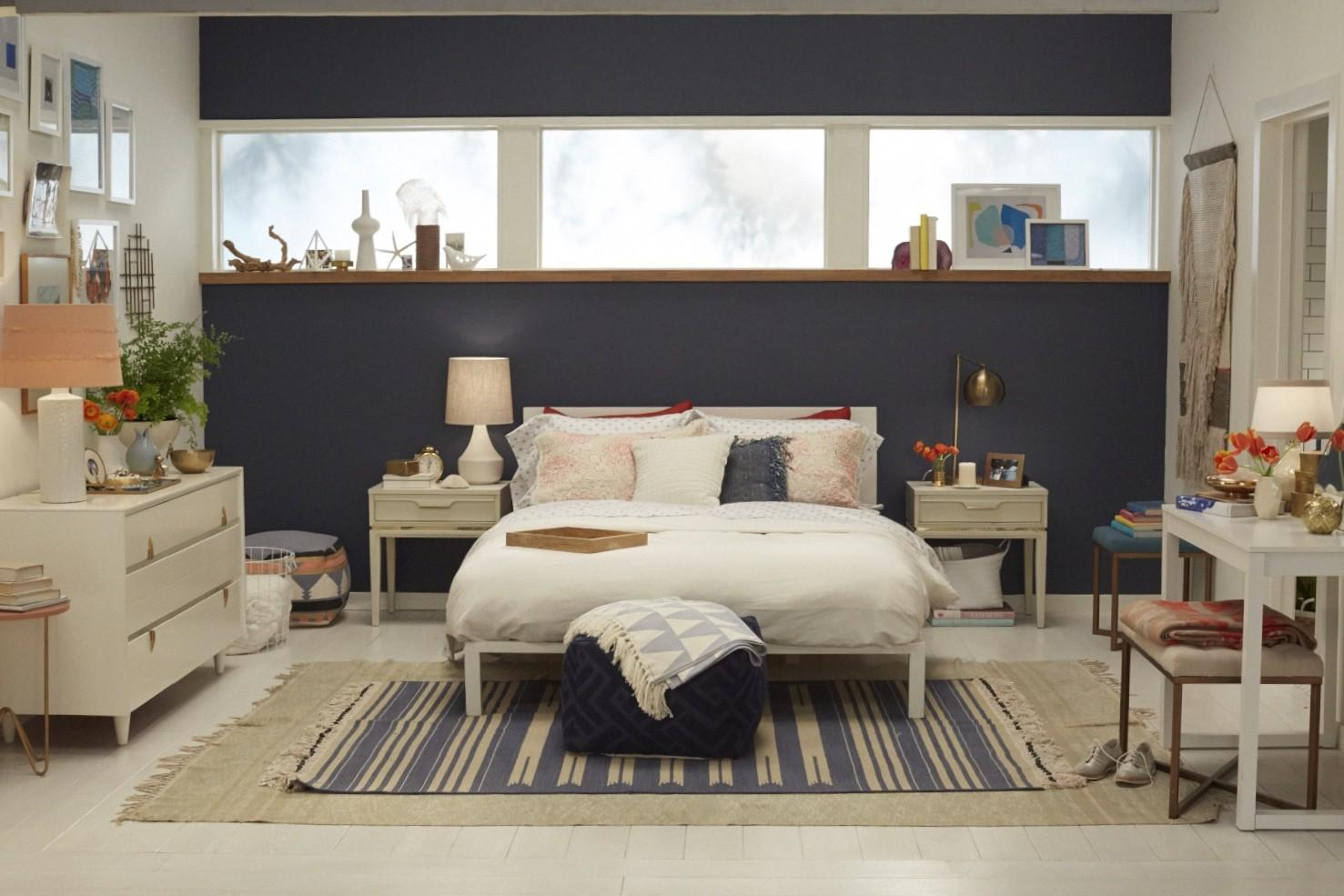 Navy Blue Accent Wall Bedroom Ideas Featuring Simple White