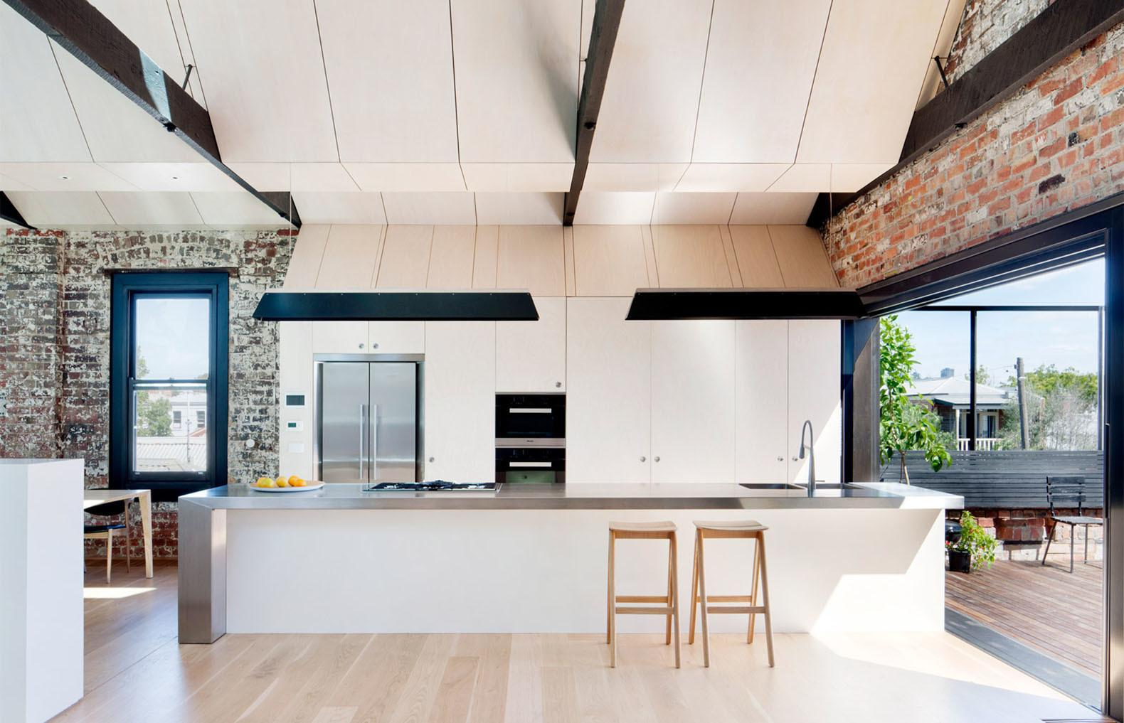 Neglected Brick Warehouse Converted Into Flexible Daylit