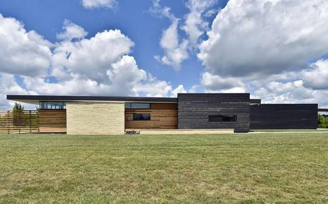 New Kansas City Ranch Houses Pay Homage Midcentury