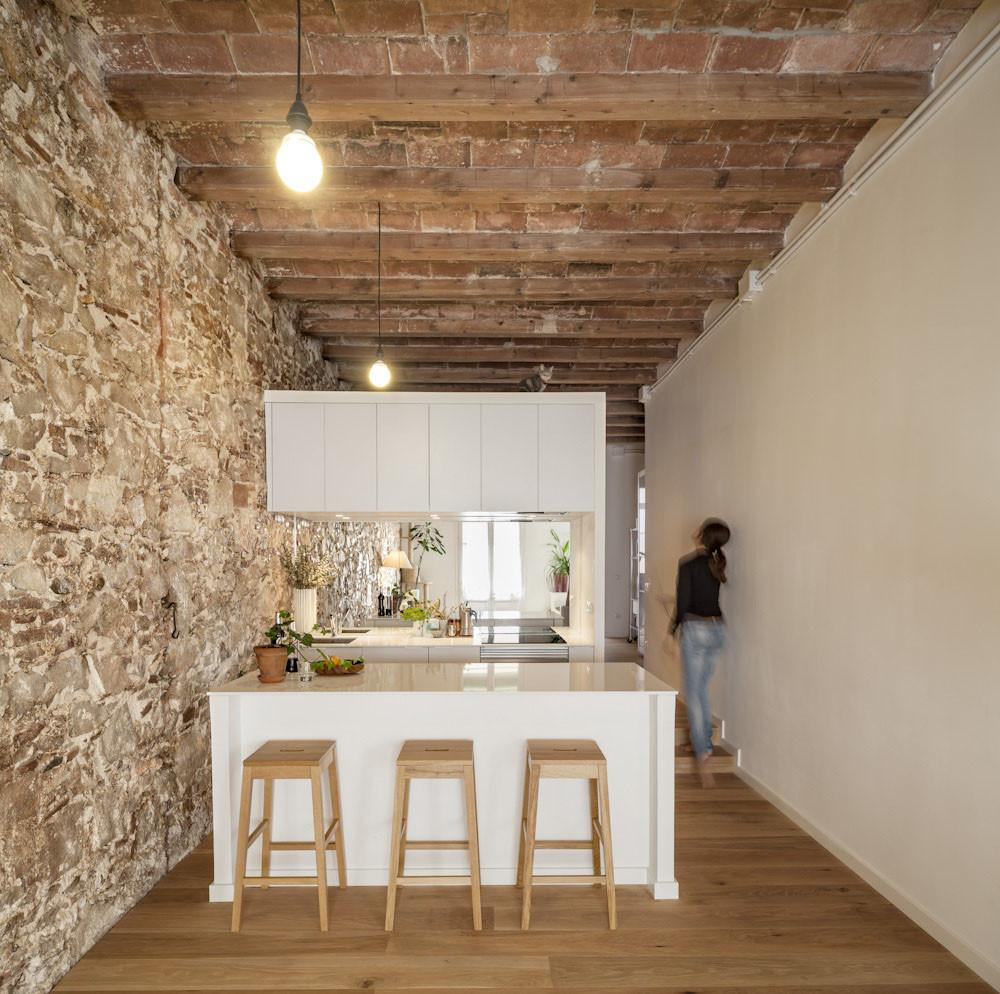 Newly Renovated Minimalist Apartment Stone Wall